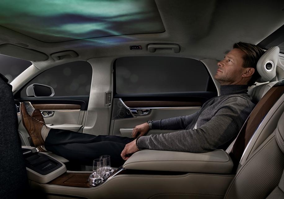 Вольво научит смартфоны менять запах и атмосферу в салоне авто